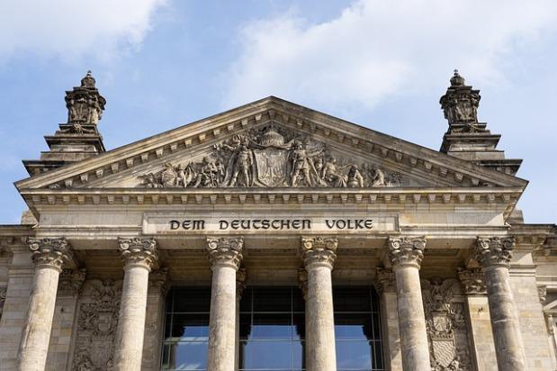 Deutschland und die Demokratie – EinWiderspruch
