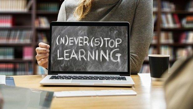Täglich nachgedacht: Wissen istMacht